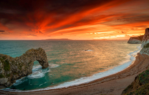 Top romantic destinations in the UK revealed