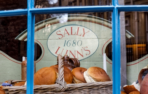 Sally Lunn's Eating