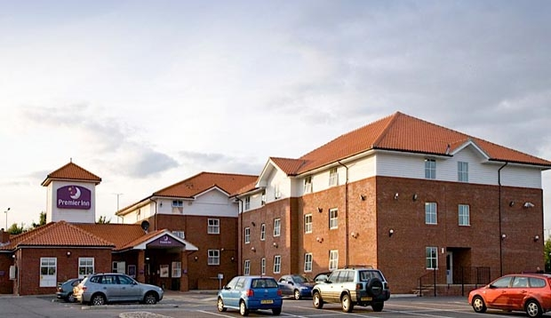 Outside of Premier Inn Chelmsford hotel showing free parking
