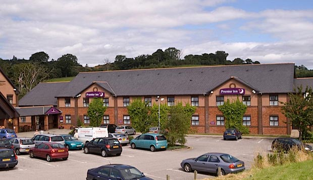 Exterior of Premier Inn Dundee Monifieth