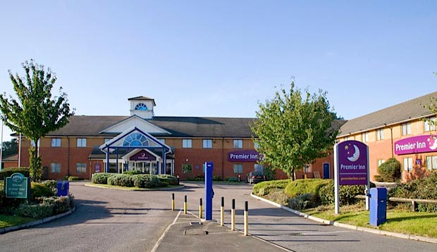 Exterior of Premier Inn Hotel Luton South (M1, J9)