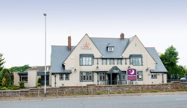 Exterior of Premier Inn Exeter (Countess Wear)