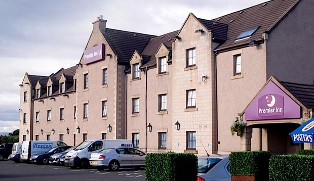 Car park area and exterior of Premier Inn Falkirk (Larbert)