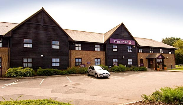 Exterior of Premier Inn Farnborough West (Southwood)
