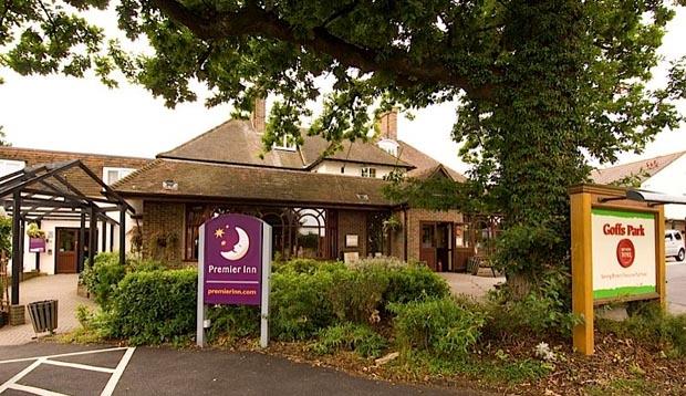 Premier Inn Gatwick Crawley Town (Goffs Park)