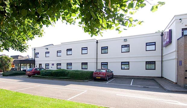 Exterior at Premier Inn Gloucester (Longford)