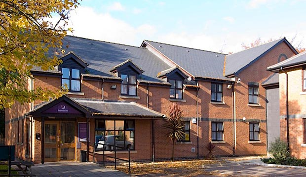 Exterior at Premier Inn Gravesend Central