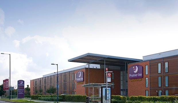 Exterior of Premier Inn London Heathrow Airport (Bath Road)