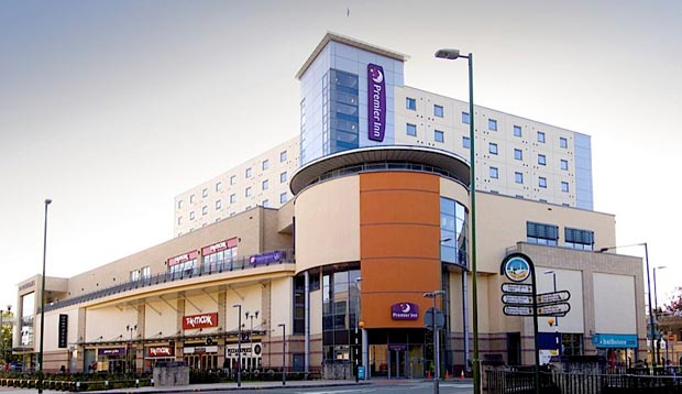 Exterior at Premier Inn Hemel Hempstead Central