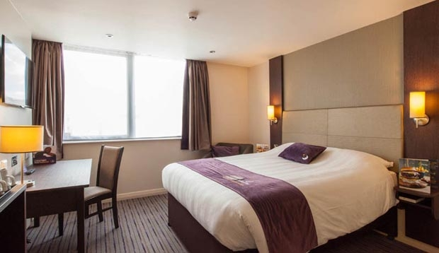 Double room at Premier Inn London Hendon (The Hyde) hotel