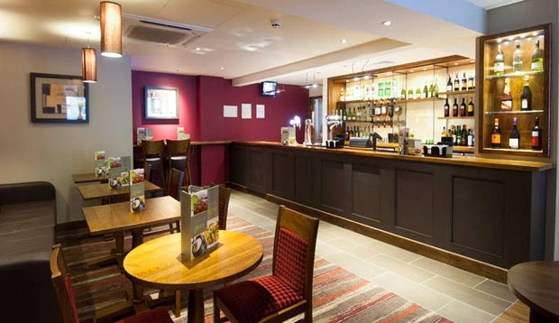 Bar at Premier Inn London Richmond