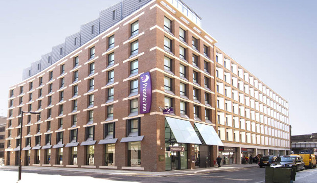 Exterior and street view at Premier Inn London Southwark (Tate Modern) hotel