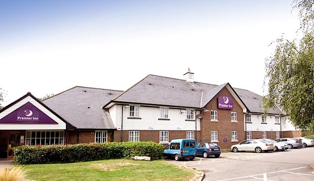 Car park and exterior at Premier Inn Maidstone (Sandling) hotel
