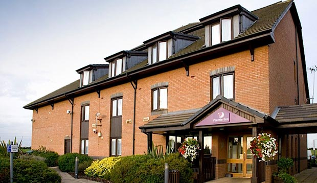 Exterior at Premier Inn London Rainham