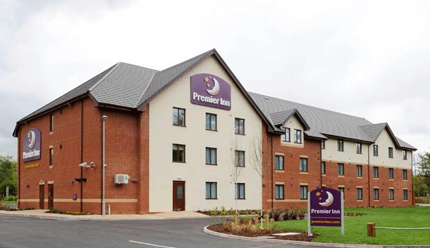 Exterior of Premier Inn Redditch North (A441)