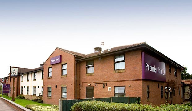 Exterior of Premier Inn London Romford West