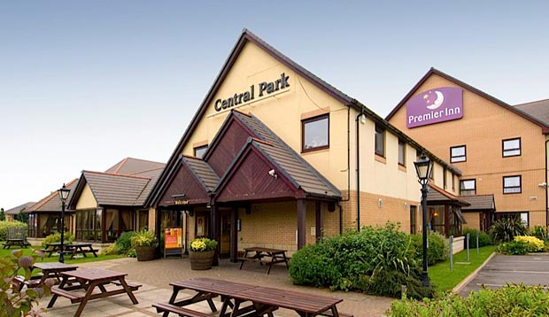 Exterior of Premier Inn Rugby North (M6 Jct1) showing restaurant
