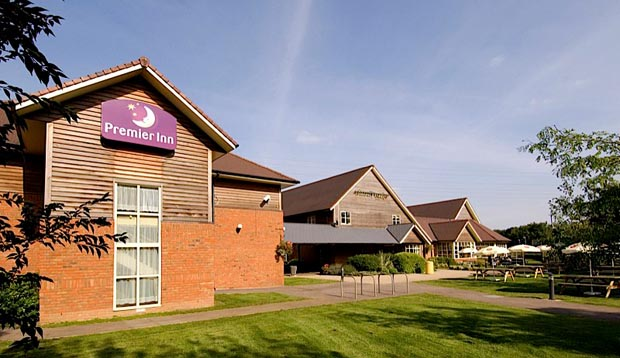 Exterior at Premier Inn Tewkesbury showing gardens