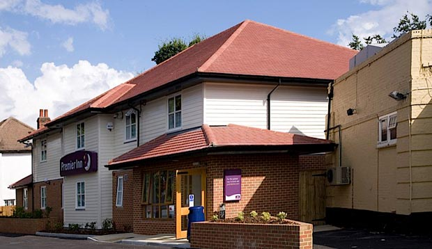 Exterior at Premier Inn London Twickenham East
